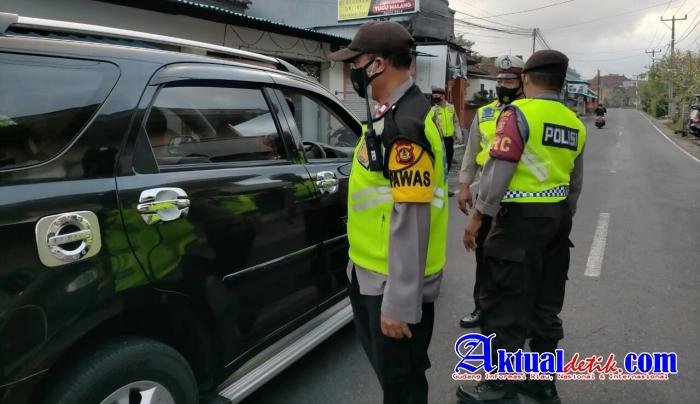 Tidak Jelas Arah Tujuan, 17 Kendaraan Diputarbalikkan Dalam Operasi Penyekatan di Simpang Kengetan