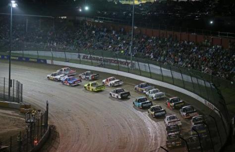 NASCAR Trucks Ditiadakan Pada Eldora Speedway Dirt Derby 2021