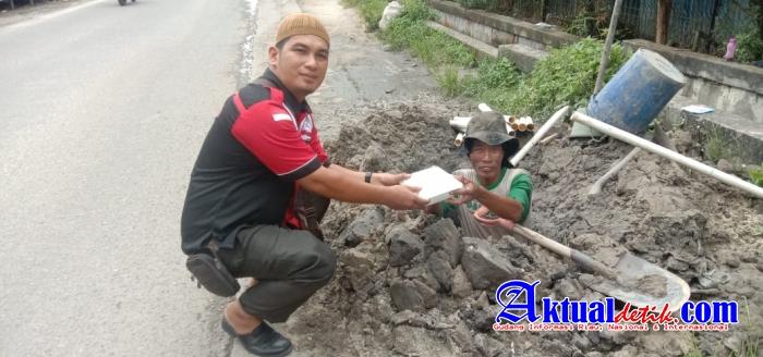 DPD SPRI Provinsi Riau Bersama Cafe Semua Orang Berbagi Paket Makan Siang