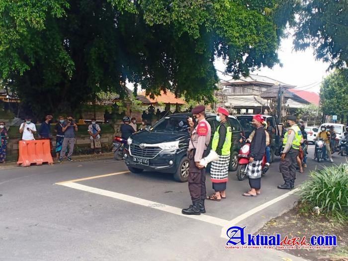 Ops Patuh Agung 2021 Polres Gianyar Atensi Pengamanan Upacara Ngaben di Blahbatuh