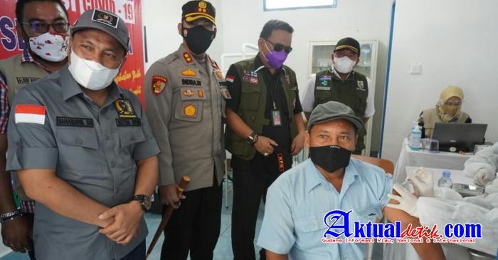 Kapolres Pelalawan Adakan Peninjauan Pelaksanaan Kegiatan Vaksin Gotong Royong PT. Serikat Putra