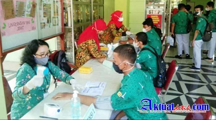 Sejumlah 1.181 Siswa SMA Negeri 4 Semarang Lakukan Suntik Vaksin