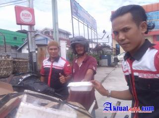 Jumat Barokah Serikat Pers Republik Indonesia (SPRI) dan CSO Pekanbaru Semoga Membantu Warga Yang Me