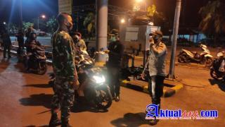 Antisipasi Curanmor, Gabungan Piket Satfung Polsek Padangbai Cek Dokumen Ranmor di Pel. Padangbai