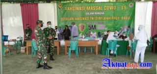 Danrem 045/Garuda Jaya Tinjau Serbuan Vaksinasi Tahap ke Tiga