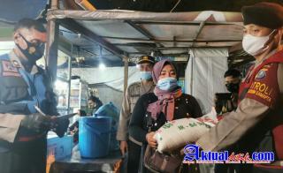 TNI Polri dan Satgas Covid 19 Patroli Skala Besar Bagikan Bansos di Medan