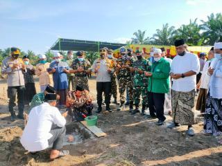 Kapolda Riau Letakkan Batu Pertama Pembangunan Ponpes di Desa Bukit Payung Bangkinang