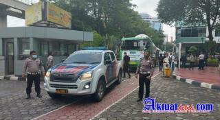 Jamin Keamanan dan Kelancaran, Polda Riau Kawal Pengiriman 70 Ton Oksigen Untuk Pasien Covid-19