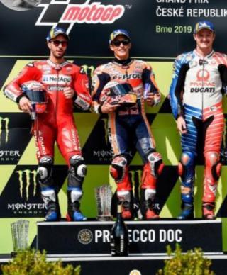 2020 Adalah Tahun Sial Bagi Rossi dan Marquez