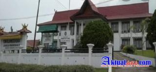Hakim PN Rengat Diduga Halangi Wartawan Meliput Persidangan PT. Tesso Indah
